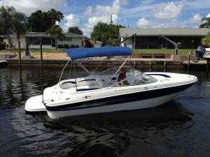 Boat Rent Garda Lake Bayliner Deckboat 219