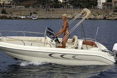 Garda Lake Boat Renting Jaguar 18