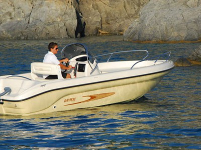 Rent Boat Garda Lake Ranieri Shark 19