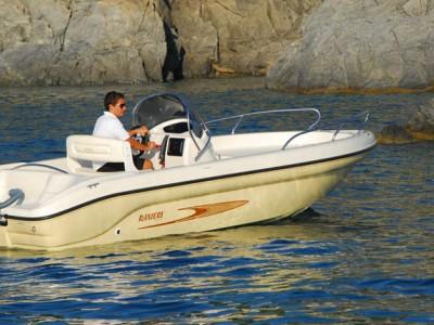 Rent Boat Garda Lake Ranieri Shark 19