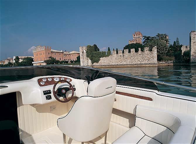Garda Charter Rent Boat Venere 23.4