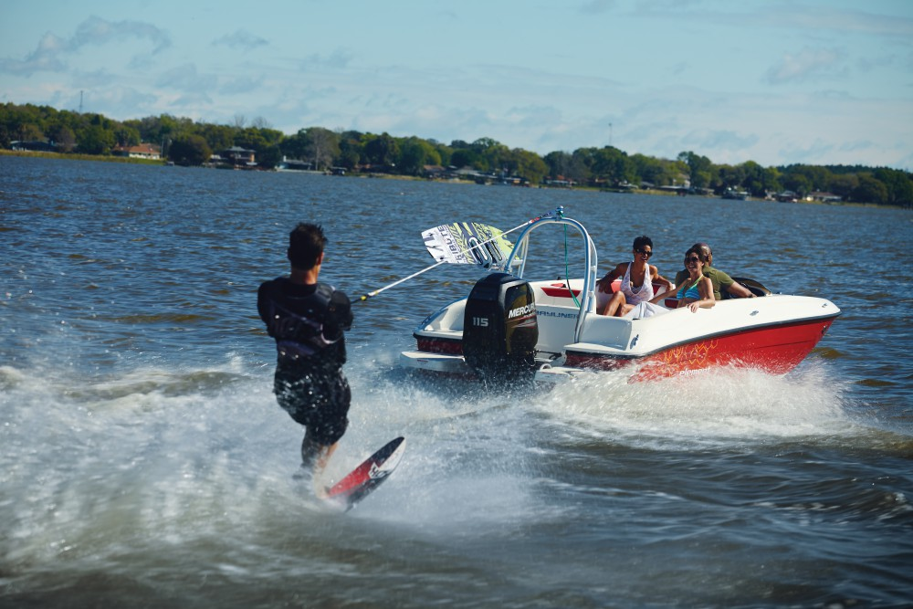 Rent a Boat Bayliner Element XL