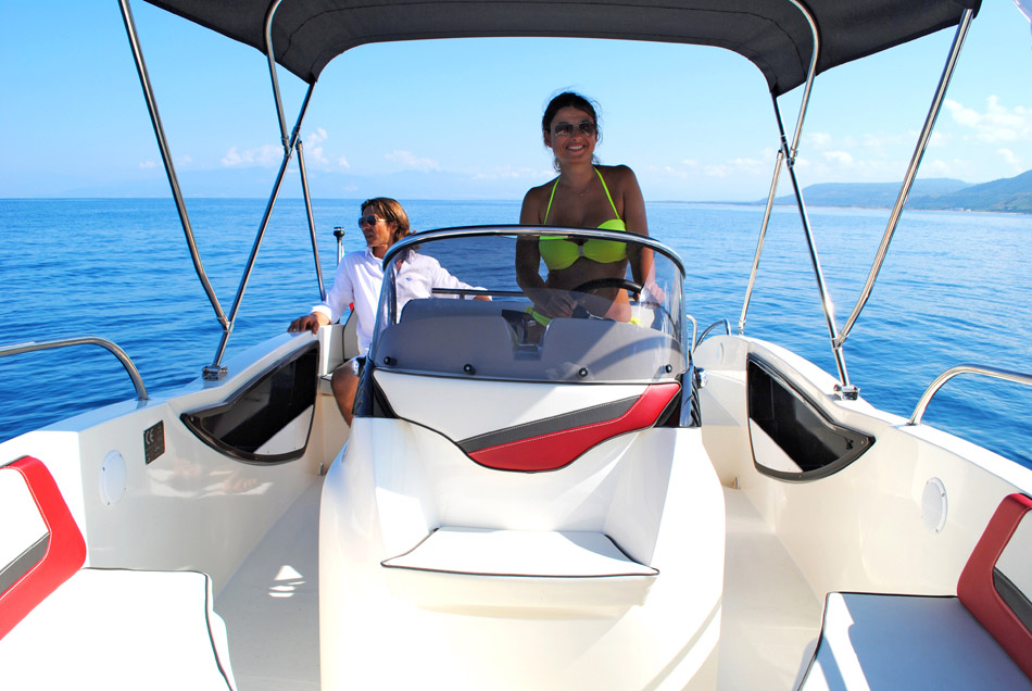 T.A. MARE Nuvola 20 Open motorboot Mieten Gardasee